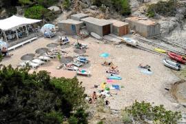 Una empresa valenciana pretende controlar cuatro chiringuitos en Sant Joan
