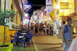 Detenidos por robar 20 euros y romper un diente a un joven en Sant Antoni
