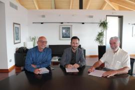 Vila destina 42.000 euros al Banco de Alimentos y a la asociación Amadiba