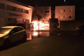 Sobresalto en Cas Serres por un incendio que obliga a desalojar a más de 20 vecinos