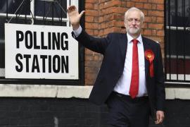 May y Corbyn ya han depositado sus votos en Reino Unido