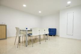 Lavado de imagen a las habitaciones para médicos de la residencia Can Misses (Fotos: Arguiñe Escandón).