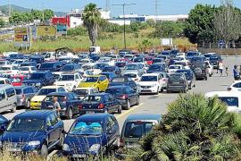 Vila no prevé tomar nuevas medidas para paliar el problema 'estructural' de tráfico