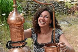 La alquimista de Eivissa y su eficaz crecepelo
