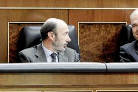 Zapatero a Rajoy: «Se puede cambiar de criterio, lo insólito es no tenerlo»