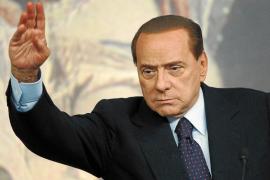 Berlusconi dice no estar preocupado por su juicio por presunto cohecho y prostitución
