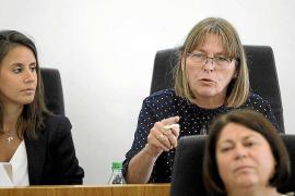 Virginia Marí cree que en Vila se gobierna «de espaldas a la gente»