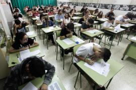 Los filólogos de la UIB consideran «un grave error» los exámenes en castellano en Selectividad