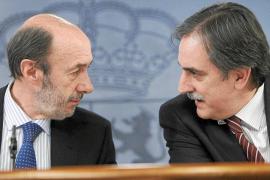 El Gobierno cede y da de plazo a las cajas hasta marzo de 2012 para salir a Bolsa