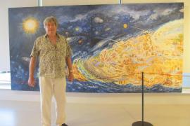 Dominique Sanson plasma pictóricamente sobre lienzo la historia de Ibiza