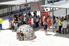 Una escultura en el Cetis para visibilizar el drama de las personas sin hogar en Ibiza