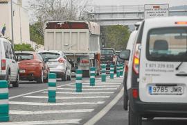 El colapso en las carreteras ibicencas obliga a reprogramar los horarios de los autobuses