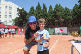 El Tenis Club Ibiza celebra su tradicional Torneo Social 'Recambios Ibiza'.