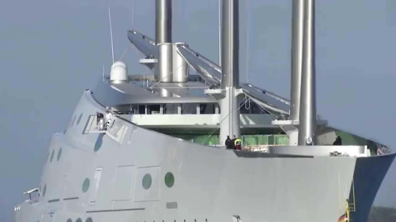 El megayate 'Sailing Yacht A' surca las aguas de Ibiza