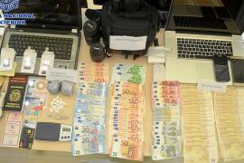 Detenidos en Ibiza dos hombres con 3.000 euros falsos y más de 100 gramos de cocaína