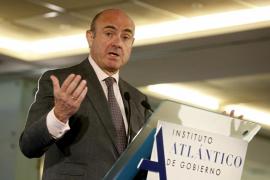 De Guindos espera que se conozca en los próximos días o semanas la ecuación de canje de BMN y Bankia
