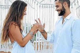 Malena Costa contrajo matrimonio con Mario Suárez con un vestido de Charo Ruiz