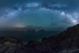 Vía Láctea sobre Tagomago