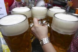 Casi uno de cada cuatro baleares realiza un consumo de alcohol de riesgo