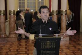 Los rótulos y anuncios comerciales en catalán enfrentan a los partidos que apoyan al Pacte con el Gobierno