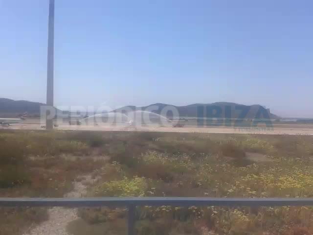 Aterriza en Ibiza el primer vuelo procedente del aeropuerto suizo de Altenrhein