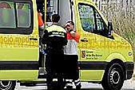 Un ciclista y una viandante resultan heridos de diversa consideración en sendos atropellos en Vila