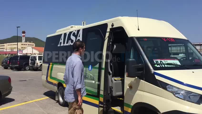 Arranca la línea de autobús que une el centro de Vila con los aparcamientos disuasorios y Puig d'en Valls