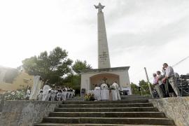 Devoción al aire libre en el 70 aniversario del monumento del Corazón de Jesús