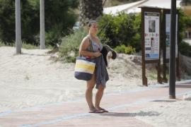 Presentación de la zona de baño adaptado en la playa de Cala Llonga (Fotos: Arguiñe Escandón).