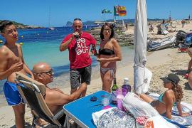 Los activistas de PROU! vuelven a reivindicar la recuperación de las playas para los ciudadanos