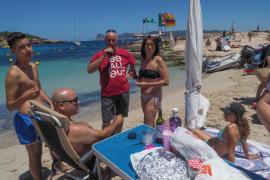 PROU! reivindica en Cala Bassa que haya más espacio en las playas .