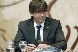 Puigdemont afirma que el 1-O no habrá choque de trenes: «Uno quedará en vía muerta»