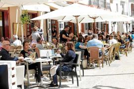 Ibiza y Formentera lideran la caída del paro nacional con un descenso del 17,5%