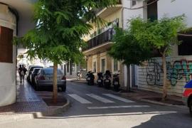 Fallece un joven británico en la calle Vara de Rey de San Antoni