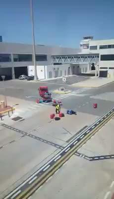 Iberia suspende de empleo y sueldo al protagonista del vídeo viral de Facebook