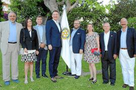 Relevo en la junta del Club Rotario Junípero Serra
