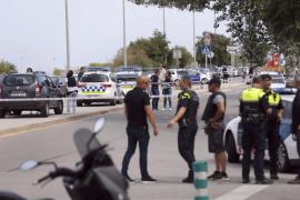 Heridos dos policías locales de Gavà al dispararles desde un coche