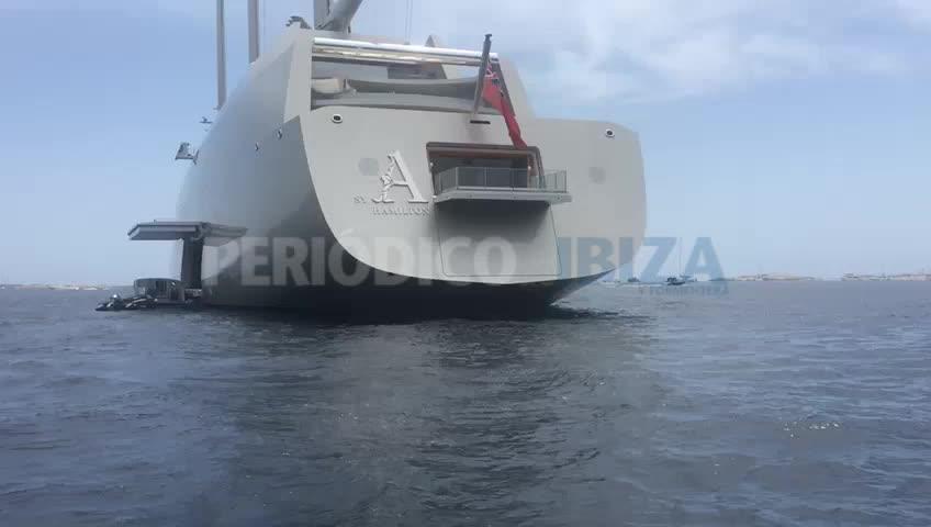 Uno de los veleros más grandes del mundo se deja ver en Formentera