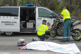 Un motorista muerto en la carretera de Cala Llonga es la octava víctima en un negro 2017