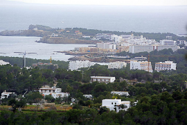 Santa Eulària dará prioridad al desarrollo turístico y comercial en las zonas vacacionales del municipio