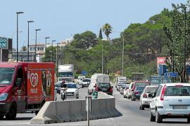Las barreras de hormigón en Vila ponen en duda el acceso ante casos de emergencia