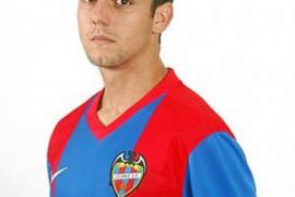 Adrián Riera se suma al Formentera