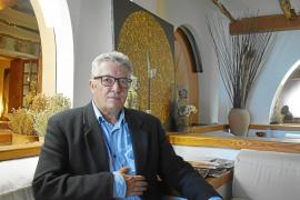 Dr. Federico Cuevas: «El subconsciente de cada persona elabora una solución»
