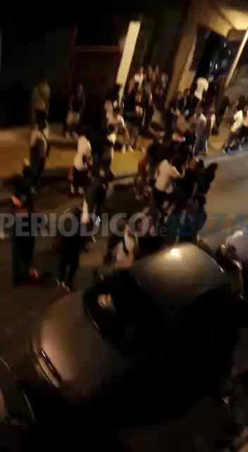 Multitudinaria pelea entre vendedores ambulantes en el West