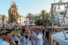 La Virgen del Carmen iluminó con su radiante luz la devoción marinera que le profesa Ibiza