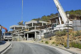 Los ayuntamientos no podrán dar más licencias en las urbanizaciones sin alcantarillado en un mes