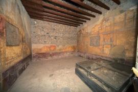 Detienen a un español por defecar en las ruinas de Pompeya