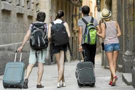 La ley que regula el alquiler turístico se complementará con la de vivienda