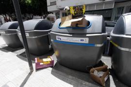 Vila interpone una veintena de denuncias a comercios por incumplir la ordenanza de basuras