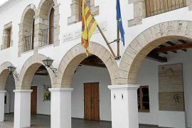 Santa Eulària abre un expediente a un local de s'Estanyol por ampliar una parte sin permiso
